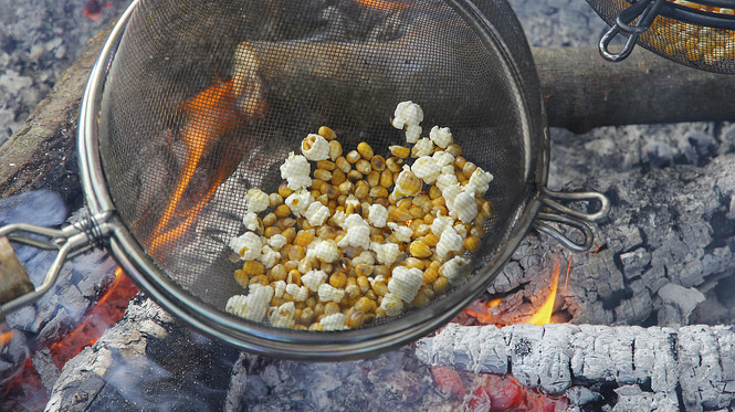 Popcorn am Lagerfeuer